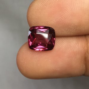 3.10 ctw Spinel