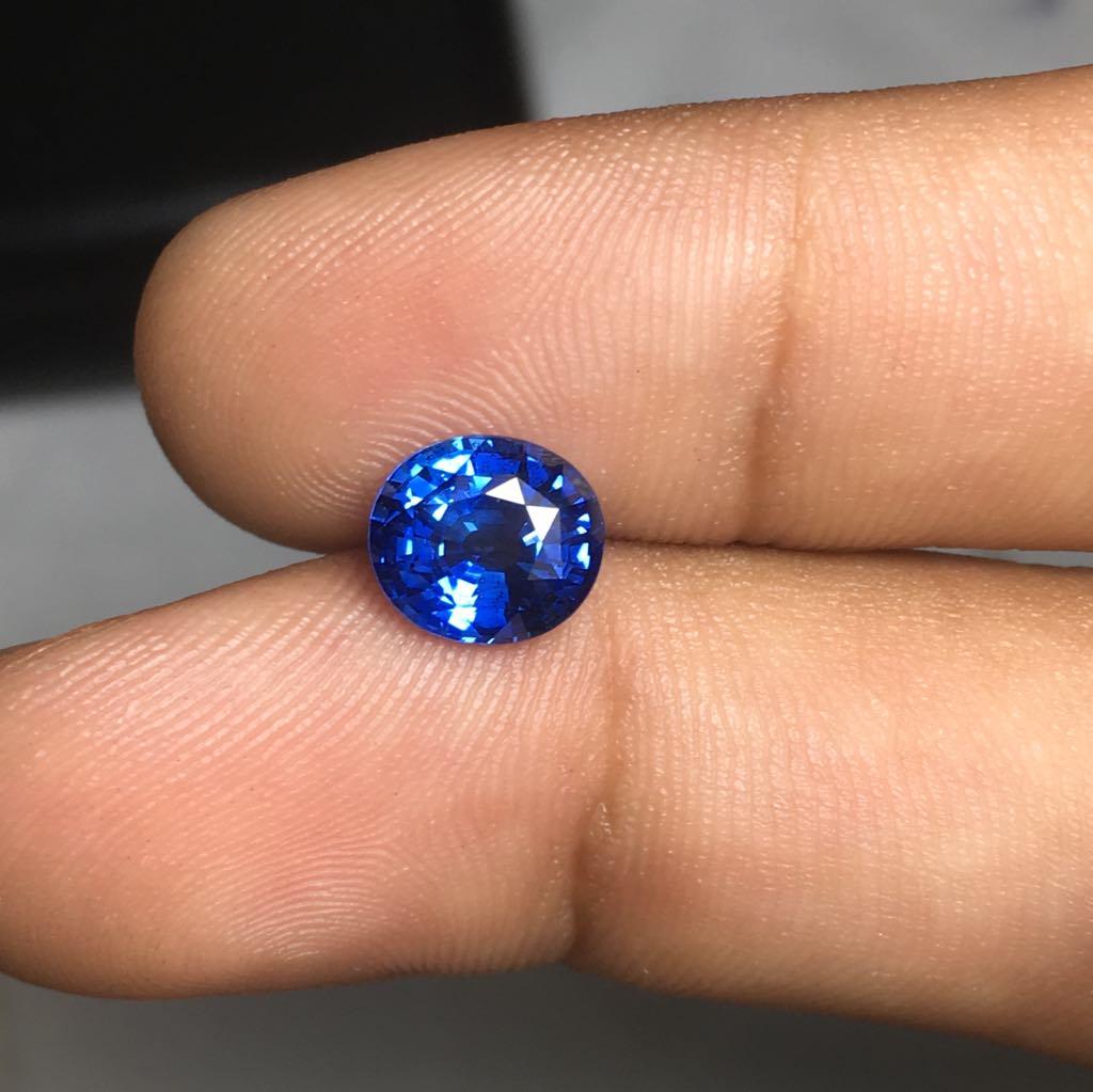 1.95 ctw Blue Sapphire